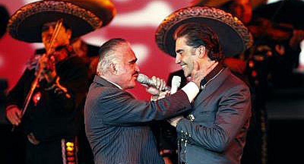 Alejandro Fernández y su papá Vicente Fernández, juntos de nuevo