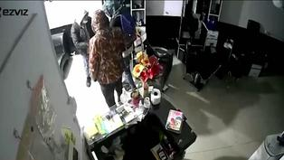 Delincuentes se llevan más de 10 mil soles en accesorios tras ingresar a una peluquería durante el toque de queda