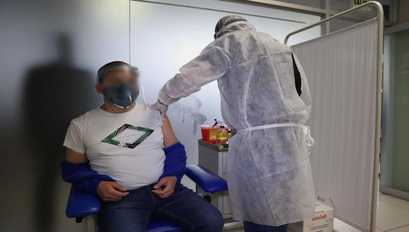 La inoculación se realizará en el mismo lugar en el que recibieron el placebo. (Foto: EFE)