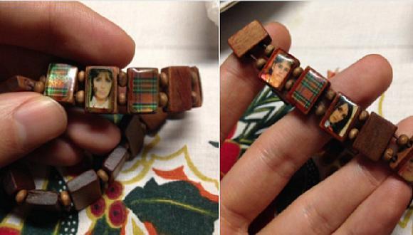 Abuelita confunde fotos de RBD con imágenes religiosas en pulsera