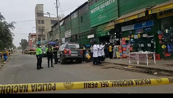 Peritos de criminalística cercaron la zona del ataque a balazos en el Callao. (Foto: PNP