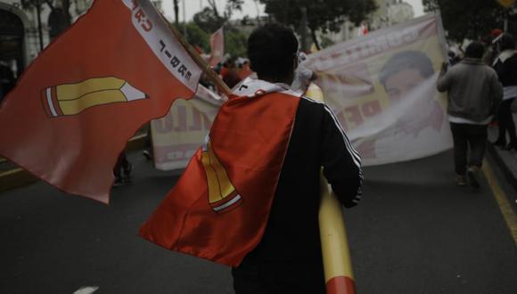 Los simpatizantes de Perú Libre exigieron que las autoridades electorales hagan valer la voluntad de la ciudadanía expresada en las urnas el domingo 6 de junio | Foto: Joel Alonzo/ @photo.gec