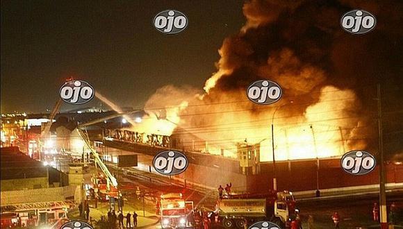 Callao: Vecinos afectados por denso humo tras incendio de almacén (VIDEOS)