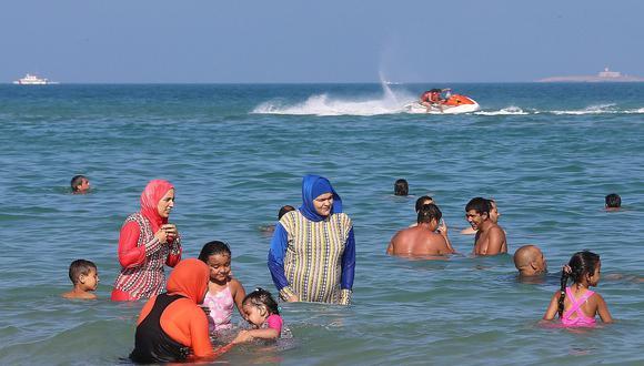 Naciones Unidas urgen levantar la restricción al burkini en Francia