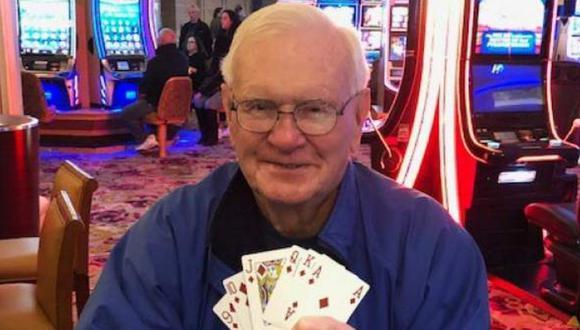 Abuelito apostó 5 dólares y ganó un millón