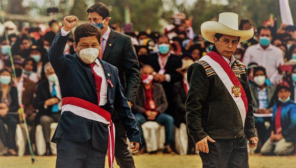 Guido Bellido juró al cargo el 30 de julio en las Pampas de Ayacucho. Fueron 60 días marcados por la confrontación políticos, investigaciones fiscales y cuestionamientos de distintos sectores (Photo Ernesto BENAVIDES / AFP)