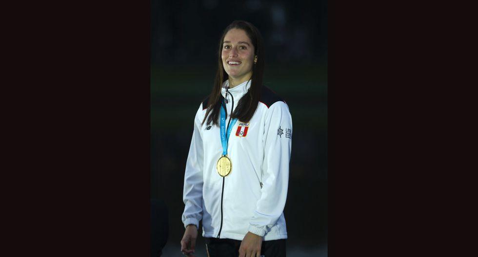 Natalia Cuglievan – Oro en esquí acuático (Foto: GEC)