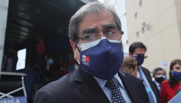 El ministro de Salud, Óscar Ugarte, denunció ataques a su vehículo oficial por parte de seguidores de Fuerza Popular. (Foto: Archivo GEC)