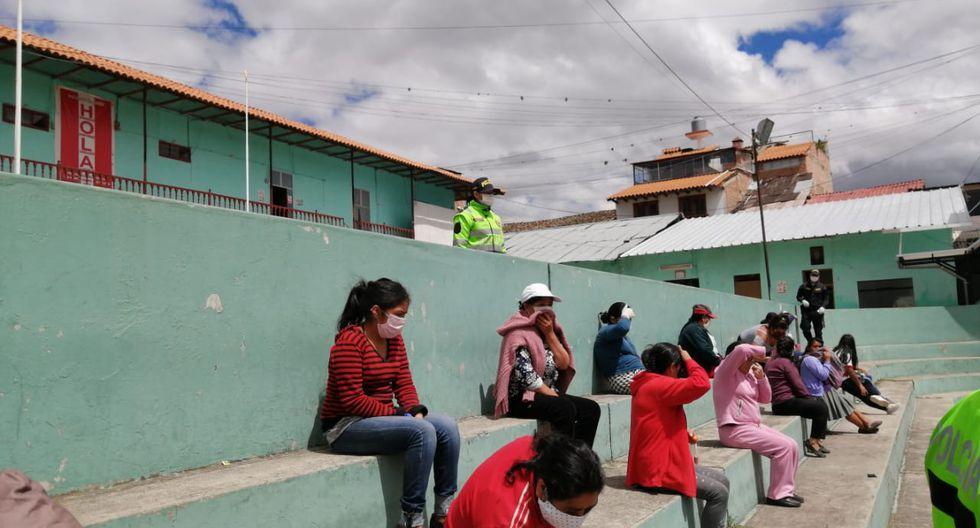 Cajamarca. Mujeres dieron diversas excusas sobre su salida en el día que no les correspondía. (PNP)