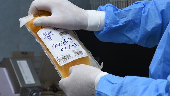 El uso de plasma convaleciente se está investigando en países de todo el mundo. (Foto: Asaad NIAZI / AFP)