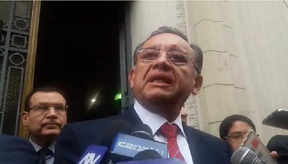 Contralor se presenta ante Fiscalía y reitera que todo se trata de una campaña mediática