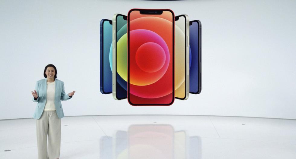 En esta captura de pantalla lanzada por Apple, Kaiann Drance presenta el nuevo iPhone 12 durante un evento en California. (AFP PHOTO/ Apple Inc.).
