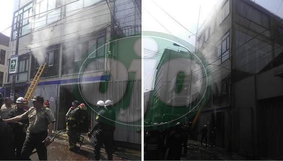 Personas quedan atrapadas tras incendio en galería del Mercado Central (EN VIVO)