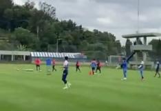 Yotún muestra su calidad para patear: marcó golazo en la práctica de Cruz Azul | VIDEO