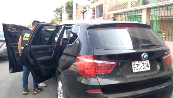 Delincuentes abandonaron camioneta de lujo que robaron dos horas antes.