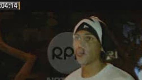 Video: Taxista choca auto de Paolo Guerrero