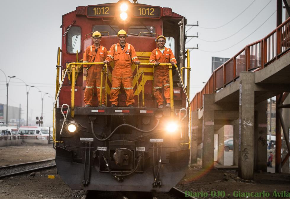 ¡Peligro, que viene el tren!