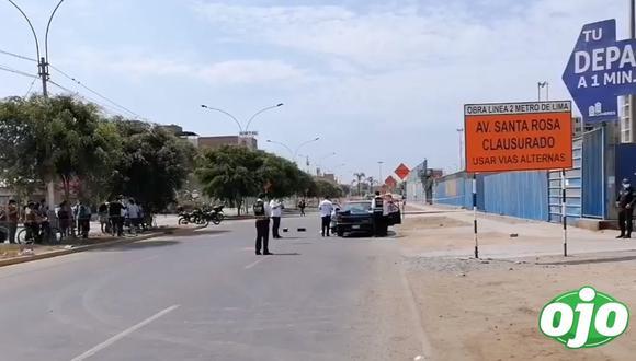 Peritos de criminalística hallaron cuatro casquillos en el lugar de los hechos, cerca del auto.
