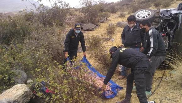 Pasco: Dos personas fallecen tras despiste de vehículo que terminó cayendo a un abismo (Foto: Facebook | Noticias al DÍA PASCO)