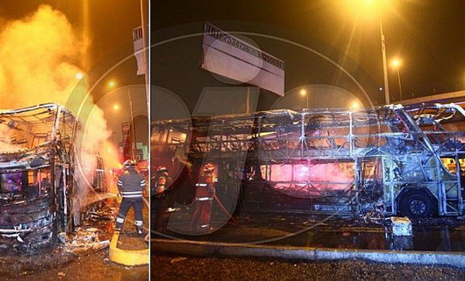 Bus interprovincial se incendia en grifo y conductor maneja para evitar desgracia (FOTOS y VIDEO)