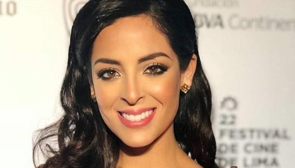 ¿Un indirecta? Andrea Luna posa en vestido de boda en sus redes sociales