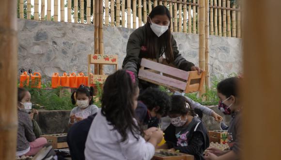 Con el fin de contribuir a la formación de habilidades cognitivas, físicas y sociales de los niños, la Municipalidad de San Isidro ofrece talleres presenciales en el biohuerto del Parque Bicentenario. (Foto: Municipalidad de San isidro)