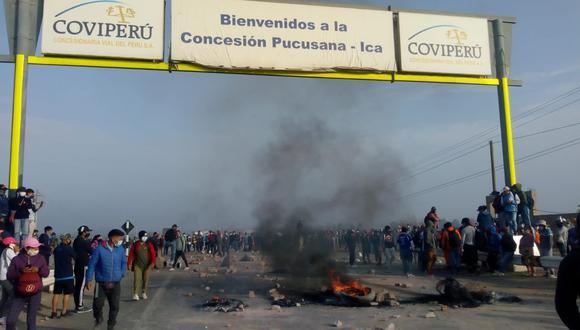 Ica: Cientos de trabajadores del agro bloquean Panamericana Sur por sueldos bajos y piden solución (Foto: Facebook   Noticias de ICA)