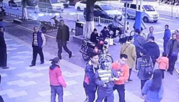YouTube: su hijo fue secuestrado, 9 meses después lo encontró de la manera más inesperada (VIDEO)