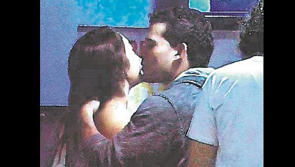 Christian Domínguez ya no se oculta más y se come a besos con Isabel Acevedo