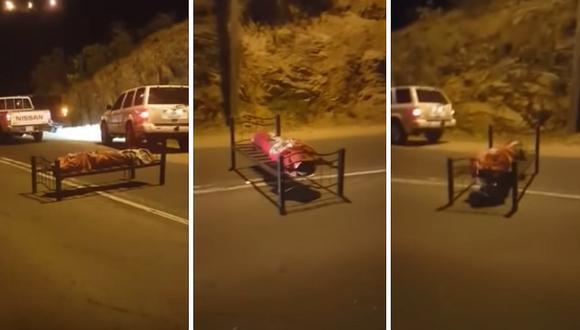 Dejan cadáver puesto en una cama en plena carretera (VIDEO)