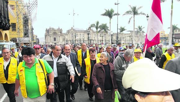 Fonavistas hacen temblar a Ollanta Humala