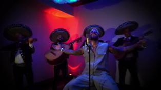 Maluma y Carlos Rivera se unen para cantar una ranchera llena de amor