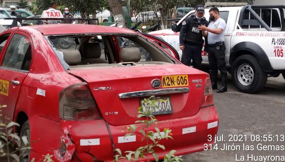 Este es el carro en el que fugaban los delincuentes donde se halló una granada de guerra. (Foto:PNP)