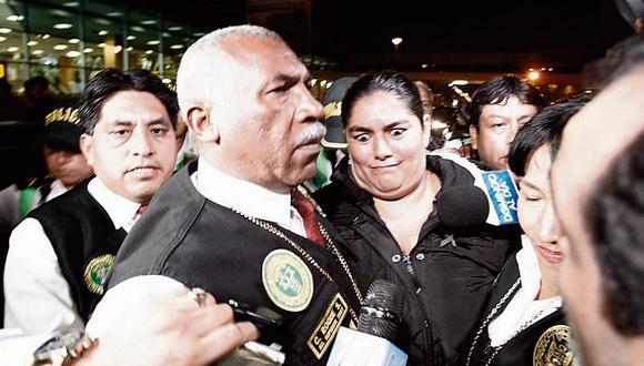 """Piden 2 años de cárcel para policía """"vivaza"""" que huyó con 353 mil soles"""