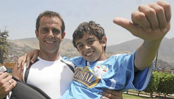 Julinho cuenta que su hijo Lucas fichó para el Tottenham inglés