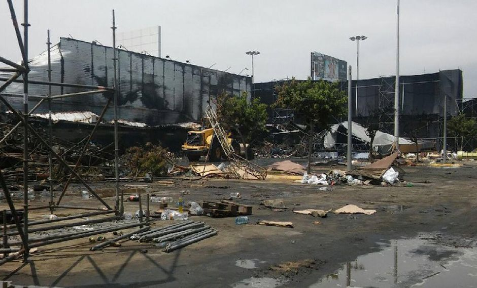 Boulevard de Asia: Continúan los trabajos de remoción de escombros tras incendio [FOTOS]