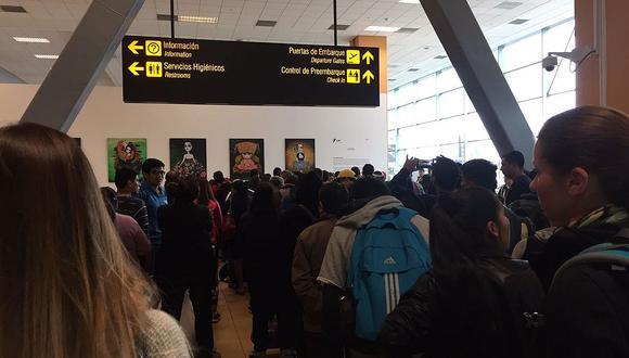 Censo 2017: largas colas para empadronar a viajeros en el aeropuerto Jorge Chávez (FOTOS)