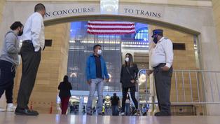 Metro de Nueva York regala viajes gratis para quienes se vacunan contra la COVID-19