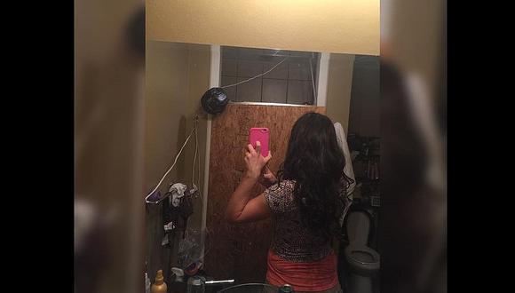 Inocente selfie de espaldas en el baño manda a prisión a mujer
