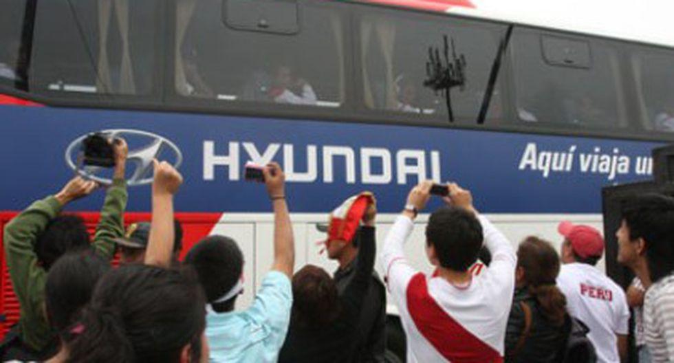 Selección peruana llega a Lima tras encuentro con Chile