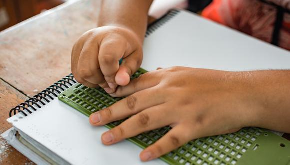 Minedu elaboró materiales educativos en Braille para colegiales invidentes y sordoceguera (Foto referencial: Minedu)