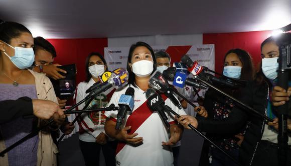 Keiko Fujimori detalló los seis miembros de su equipo técnico que acudirán al debate del JNE. (Foto: GEC)