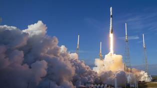 Cohete de SpaceX despega rumbo a Estación Espacial Internacional