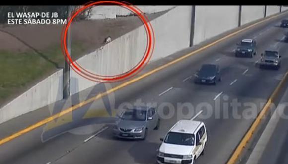 Video muestra caída y muerte inmediata de hombre en la Vía Expresa