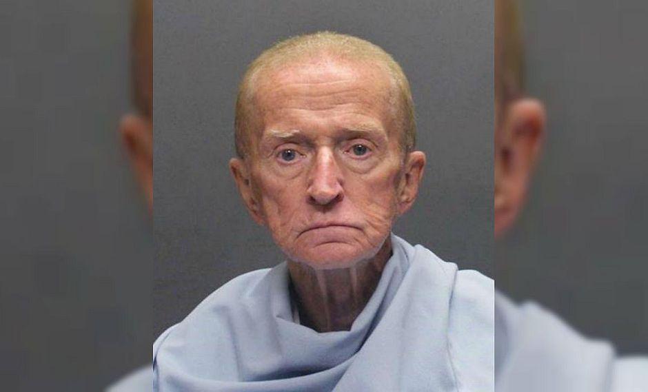 Anciano robó un banco para volver a prisión pues afirma que no le alcanza para vivir