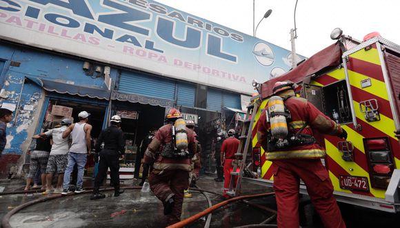 Incendio Centro de Lima. Fotos: Angela Ponce
