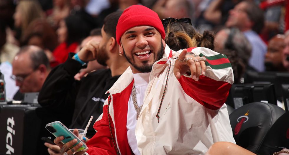 MIAMI, FL - FEBRUARY 28: Rapper, Anuel AA attends the game between the Dallas Mavericks and the Miami Heat on February 28, 2020 at American Airlines Arena in Miami, Florida. NOTE TO USER: User expressly acknowledges and agrees that, by downloading and or using this Photograph, user is consenting to the terms and conditions of the Getty Images License Agreement. Mandatory Copyright Notice: Copyright 2020 NBAE   Issac Baldizon/NBAE via Getty Images/AFP