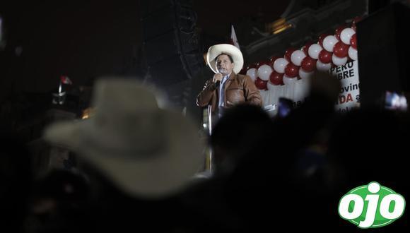Pedro Castillo se dirigió a sus seguidores en la plaza San Martín. (Foto: Renzo Salazar / @photo.gec)