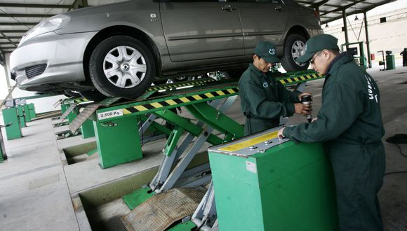Ministerio de Transportes y Comunicaciones amplía vigencia de certificados de inspección técnica vehicular. (Foto: Andina)