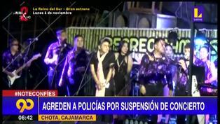 Suspenden concierto y asistentes lanzan botellas de cerveza a policías para exigir devolución de dinero